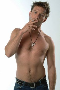 Thomas Kretschmann    Smokers are hot.