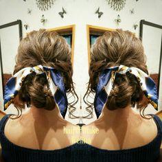 結婚式お呼ばれヘアセット❤ スカーフを編み込んだゆるいアップです 後れ毛もかわいい✨ ありがとうございます❤ #ゆるいアップ #ルーズアップ #スカーフ #スカーフアレンジ #後れ毛 #ヘアセット #結婚式 #結婚式お呼ばれヘアセット#wedding #bridal #party #hairset #updo #loose #Welina #hitomiyanagida Fashion Books, My Style, Hair Styles, How To Make, Beauty, Hair Plait Styles, Hair Makeup, Hairdos, Haircut Styles