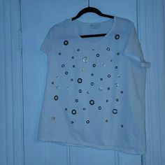 Grommet hole t shirt Tshirt with grommet holes. In great condition only worn once. Forever 21 Tops Tees - Short Sleeve