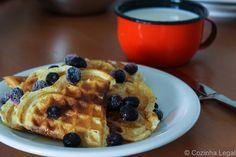Receita fácil e descomplicada do tradicional Waffle Americano. Com poucos ingredientes é possível preparar essa delícia em casa | cozinhalegal.com.br