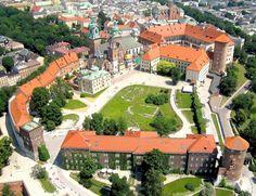Wawel i Hotel Forum z lotu ptaka [ZDJĘCIA] - Zdjęcie 13267 - Love Kraków