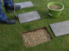 How to lay stepping stones. Creating a simple path using paving slabs. - How to lay stepping stones. Creating a simple path using paving slabs. How to lay stepping stones. Creating a simple path using paving slabs. Stepping Stone Pathway, Paving Stones, Stone Walkways, Stone Paths, Landscape Stepping Stones, Round Stepping Stones, Stone Garden Paths, Driveways, Unique Garden