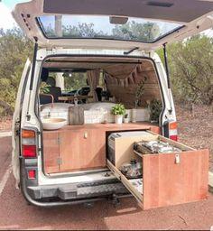 Kombi Trailer, Vw Transporter Camper, Van Conversion Interior, Camper Van Conversion Diy, Bus Life, Camper Life, Small Camper Vans, Vw Camping, Build A Camper Van