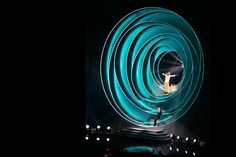 Es Devlin is a Stage Designer. She creates kinetic sculptures meshed with light and film for opera, dance, film, theatre, runway shows and concerts. Stage Set Design, Set Design Theatre, Bühnen Design, Event Design, Es Devlin, Concert Stage Design, Scenic Design, Stage Lighting, Light Painting