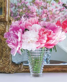 From stress-relieving flower essences to floral pajamas, here is our Mother's Day gift guide. Baccarat Crystal, Crystal Vase, Crystal Jewelry, Flower Arrangement Designs, Flower Arrangements, Decor Interior Design, Interior Decorating, Spring Is Here, Vases Decor