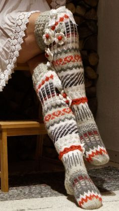 Crochet Socks Pattern, Crochet Slippers, Knit Or Crochet, Knitting Socks, Hand Knitting, Knitting Patterns, Stocking Tights, Baby Boots, Knee Socks