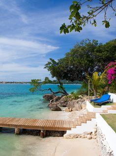 Culloden Cove, Jamaica, Caribbean. Boutique villa and cottage with sea-view pool and private beach. i-escape.com