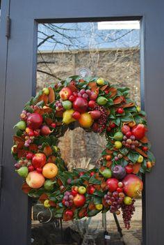 Williamsburg style wreath...my Mum always had her wreath all fruity like this.