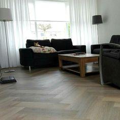PVC-vloer Therdex Herringbone 7004 gelegd door www.gouwenbergwonen.nl
