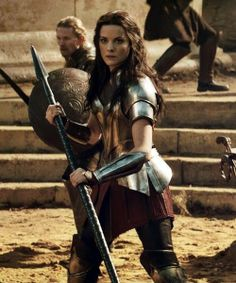 Lady Sif is awesome Marvel Characters, Marvel Movies, Female Characters, Lady Sif Cosplay, Armadura Cosplay, Siam, Jaimie Alexander, Mundo Comic, Fantasy Warrior