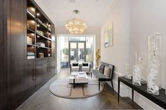 Julie Andrews Former London Townhouse Comes For Sale London Mansion, London Townhouse, Julie Andrews, Chesterfield Armchair, Sectional Sofa, Luxury Homes Interior, Home Interior Design, Vogue Living, Luxury Estate