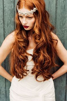 Mariage rouge Long Little Golden Curly Brown