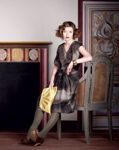 A perfect modern rendition of the Bloomsbury Group/Omega workshops, in fashion and styling!