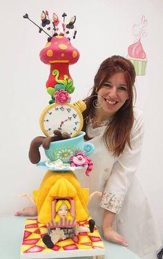 Alice un wonderland tower cake