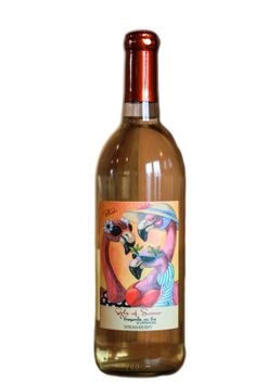 A delightful blend of Riesling and strawberries with a smooth sweet finish.  A summer favorite! (Vineyards on the Scuppernong)