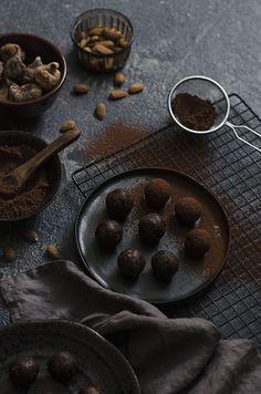 Helathy Chocolate Fig Truffles