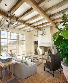 Superbe poutres en bois qui habillent votre plafond, retrouvez nous sur : http://www.provence-materiaux-anciens.com/fr/3-poutres-et-charpentes #Wood #Deco #Livingroom #Exposedbeam #Architecture #Salon #Antique #Modern