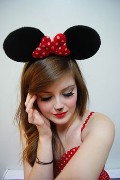 minnie mouse makeup. :)