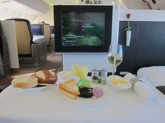 Lufthansa First Class Flight. I'm pretty sure I was born for this (or a private jet, sigh)... I like that!