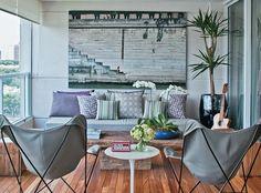 Seja para relaxar, curtir com os amigos ou aproveitar a paisagem, as varandas conquistaram o status de ambiente nobre nos apartamentos