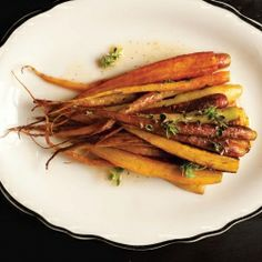{recipe} Sautéed carrots with a little honey, crunchy sea salt, garlic and thyme, and Pecorino.
