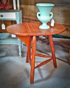 Rare Maple Cushman Tri Leg Drop Leaf Accent Table