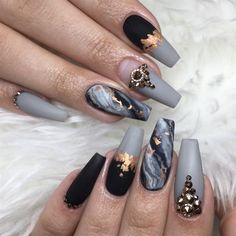 25 Design de unhas de mármore com água e esmalte 2 - Simple Marble Nail ART Designs - Gray Nails, Matte Nails, Black Nails, Black Marble Nails, Marble Nail Art, Gray Nail Art, How To Marble Nails, New Nail Art, Gold Marble