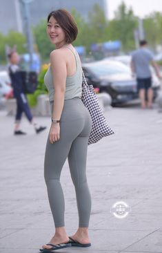 Womens Style Discover Pin on Yogapants outfit Leggings Mode Girls In Leggings Leggings Fashion Turkish Fashion Asian Fashion Girl Fashion Fashion Beauty Moda Hijab Look Girl Leggings Mode, Girls In Leggings, Leggings Fashion, Look Girl, Up Girl, Asian Fashion, Girl Fashion, Fashion Beauty, Turkish Fashion