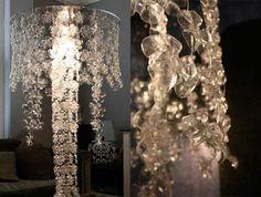 Cinco lámparas hechas con objetos reciclados