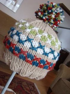 Camp Hoodie Swatch Hat by Susan B. Anderson. Free on the blog.