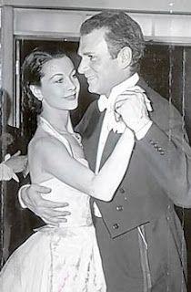 Vivien Leigh & Laurence Olivier dancing at their wedding