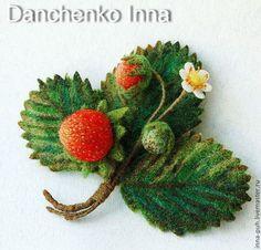 Валяная брошь клубника, брошь цветок, Данченко Инна, Брошки и Игрушки