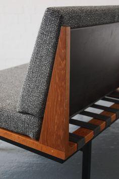 Robin Day Form sofa for Hille Furniture, Wooden Sofa Designs, Modern Furniture, Modern Room, Leather Furniture, Sofa Design, Bench Furniture, Japanese Interior Design, Diy Outdoor Furniture
