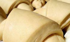 Ρολό παντεσπάνι με μαρμελάδα και νιφάδες κουβερτούρα Mcdonalds Apple Pie, Dairy, Potatoes, Cheese, Vegetables, Food, Potato, Veggie Food, Vegetable Recipes