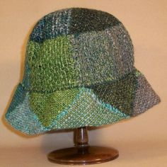 Pin Weaving, Loom Weaving, Knitting Wool, Wool Yarn, Loom Hats, Seed Stitch, Loom Patterns, Yarn Crafts, Knitting Projects