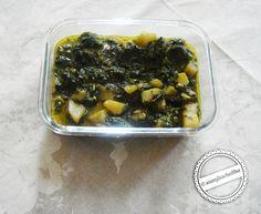 Aloo palak lahsunwala copy Palak Paratha, Palak Paneer, Chickpea And Potato Curry, Spaghetti, Spinach Curry, Saag, Tasty Bites, Creamy Sauce, Curry Recipes