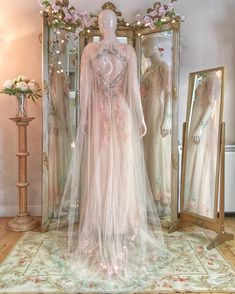 Our midsummer bride had a gossamer tulle cape to match her Joanne Fleming Design tulle and silk gown, with embroidered 🌙 & ⭐️ ⭐️ ⭐️ Fairytale Dress, Fairy Dress, Royal Dresses, Prom Dresses, Designer Wedding Dresses, Wedding Gowns, Pretty Dresses, Beautiful Dresses, Sparkle Outfit