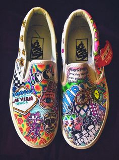 011b1f9ac2efa4 Customized Vans by linmindesigns on Etsy Custom Vans