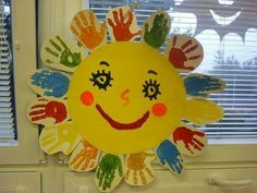 Spring Crafts for Kids / Preschoolers & Toddlers to make this season of new beginnings Daycare Crafts, Toddler Crafts, Preschool Activities, Kids Crafts, Diy And Crafts, Arts And Crafts, Paper Crafts, Yarn Crafts, Spring Crafts For Kids