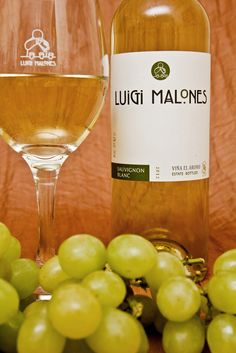 Luigi Malones White Wines are exclusively bottled & labeled for us by a multi award winning private winery in the foothills of the Andes, Chile.