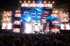 Good house/dubstep drops Picture: Ultra Music Festival 2012 Tracks Singularity - steve aoki Save the World Knife party Remix No beef - afrojack & S. Knife Party, Dubstep, Edm, Times Square, Songs, Concert, Music, Anatomy, Waiting