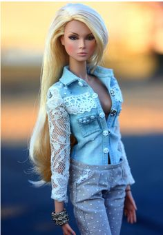 Celebrity Barbie Dolls, Barbie Model, Barbie And Ken, Barbie Dress, Barbie Clothes, Fashion Royalty Dolls, Fashion Dolls, Barbie Tumblr, Flawless Beauty
