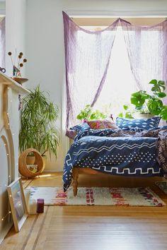 4. Plantas naturais.Trazer o verde para dentro de casa é um segredinho importante para conferiruma sensação de paz e bem estar