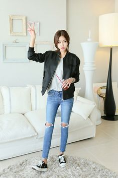 Buy Damage Knee Cut Jean at Korean Fashion Store. Find more jeans and clothes hot in South Korea right at our store. We are always adding new styles to our collection, clothing coming directly from South Korea. Korean Street Fashion, Korean Fashion Ulzzang, Korean Fashion Winter, Asian Street Style, Korean Fashion Casual, Korean Fashion Trends, Korea Fashion, Asian Fashion, Korean Style