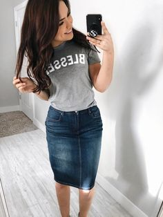 Skirt Outfits Modest Denim Best Ideas Source by Outfits mezclilla Modest Casual Outfits, Classy Outfits, Modest Fashion, Chic Outfits, Style Fashion, Denim Fashion, Modest Wear, Apostolic Fashion, Modest Church Outfits