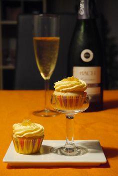 Minicupcakes de mimosa. Receta para hornear cupcakes de cava y naranja