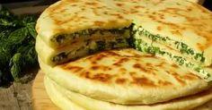 Khachapuri este o plăcintă tradițională georgiană cu umplutură de cașcaval sau brânză. Ea este foarte ușor de gătit, iar pentru această rețetăpoate fi folosit orice fel de cașcaval și verdeață. Nu veți putea să nu apreciați această delicatese! Să trecem la treabă! Echipa Bucătarul.tv vă dorește poftă bună alături de cei dragi!  Autor text:Bucătarul.tv …