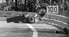 1969. Graham Hill's crash. Lotus-Cosworth 49B.