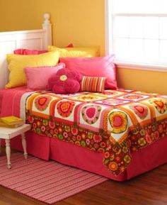 Fast Flowers Twin-Bed Quilt | AllPeopleQuilt.com