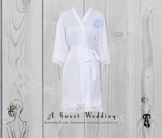Bride's Robe/ Lace Trim Bridal Robe/ Getting Ready Robe With Monogram/ Wedding Robe Bridesmaids And Groomsmen, Bridesmaid Robes, Wedding Bridesmaids, Bridal Party Robes, Gifts For Wedding Party, Free Monogram, Bride Getting Ready, Monogram Wedding, Lace Trim